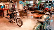 Royal-enfield-exclusive-store-madrid-interior