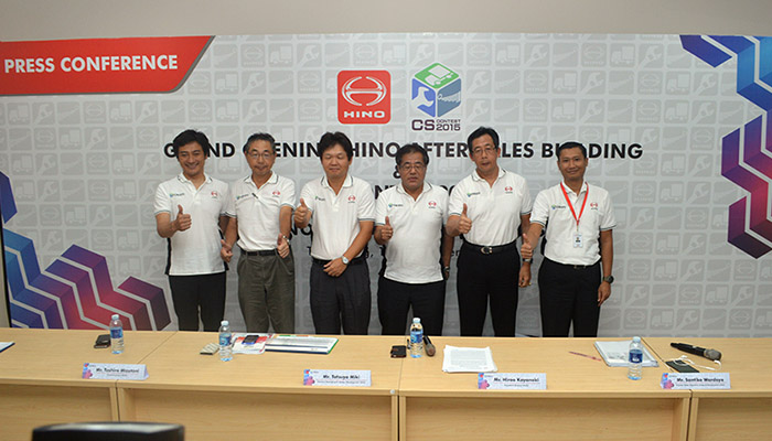 hino-grand-launching-after-sales-building-autonesian-2015-2