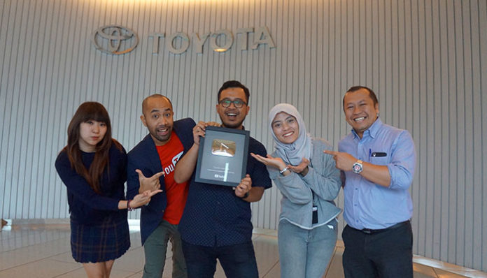 Youtube Channel Toyota Indonesia Silver Play Button