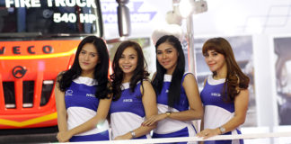 Sales Promotion Girls IVECO di GIICOMVEC