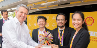 "Tim Mahasiswa Indonesia Memenangkan Kompetisi Final ""Shell Ideas360"" dengan mengusung gagasan Mobil Pintar ""Smart Car Microalgae Cultivation Support (MCS)"""
