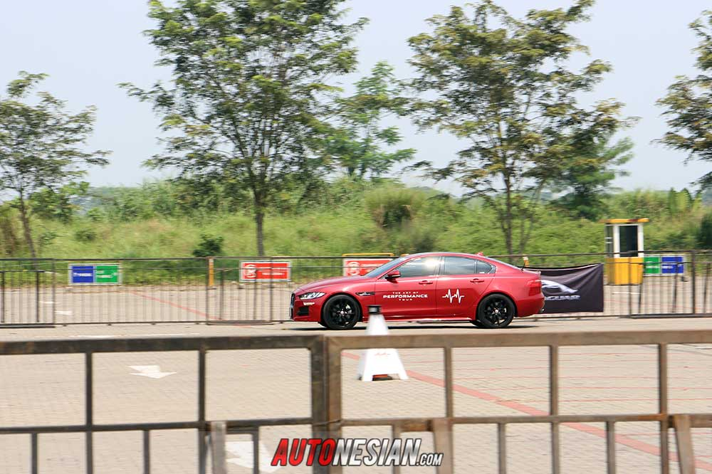 Jaguar Land Rover Driving Experience Global resmi digelar Indonesia