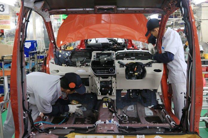 Assembly Process di Fasilitas pabrik PT Toyota Motor Manufacturing Indonesia, Karawang